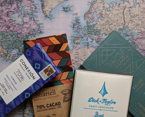 Do you want to become a chocolate expert? Join our chocolate club and receive each month 4 new craft chocolate bars.